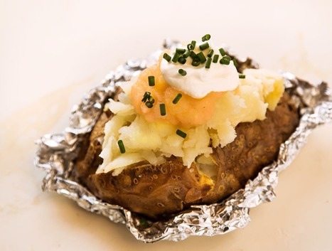 Baked Potato Stuffed with Applesauce, Sour Cream, and Chives — Miracle Meals | ♨ Family & Food ♨ | Scoop.it
