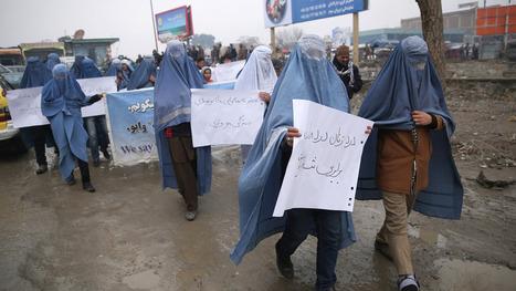 Burqa-clad men march for women's rights in Afghanistan | Social Media Slant 4 Good | Scoop.it
