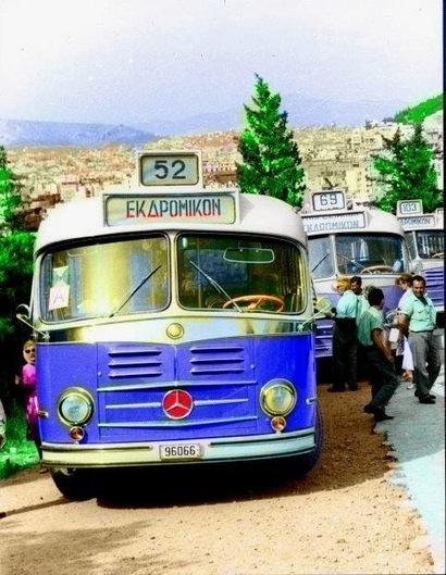 Ο Θέμης δίνει ζωή σε ασπρόμαυρα λεωφορεία των αθηναϊκών ΚΤΕΛ (PHOTO - VIDEO) ~ BUS' OLDTIMERS & REBUILDERS | ΜΕΣΑ ΜΑΖΙΚΗΣ ΜΕΤΑΦΟΡΑΣ | Scoop.it