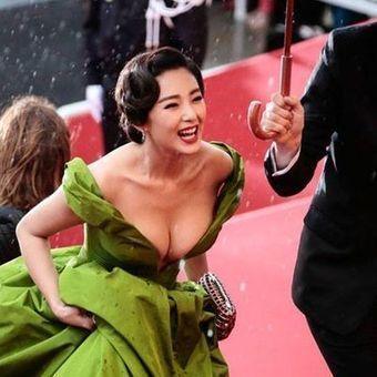 Zhang Yuqi In Ulyana Sergeenko Couture & Cartier Jewellery @ Cannes Film ... - SENATUS | Cartier | Scoop.it