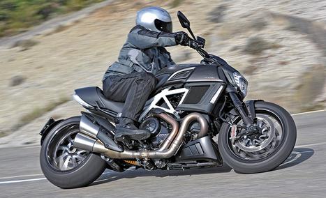 2015 Ducati Diavel—Ridden & Rated | Rider Magazine | Ductalk Ducati News | Scoop.it