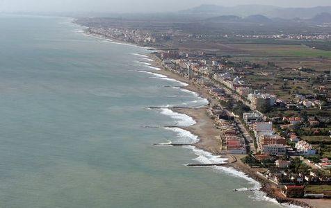 El PP rebaja la zona de protección de la costa de 100 a 20 metros
