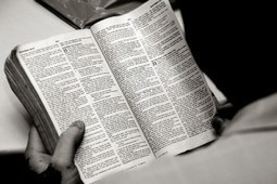 The Ten Commandments of a Righteous Readerly Life | About Books | Scoop.it