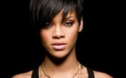 Rihanna goes blonde for a without top hot shoot | Newswingz | Scoop.it