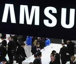 Samsung announces Galaxy Gear smartwatch with NFC, voice control and a camera | Mobile Payments | Scoop.it