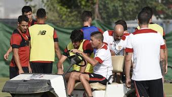 Carlos Fernández será operado de la rodilla y estará entre seis y ocho meses de baja | Noticias Sevilla FC | Scoop.it