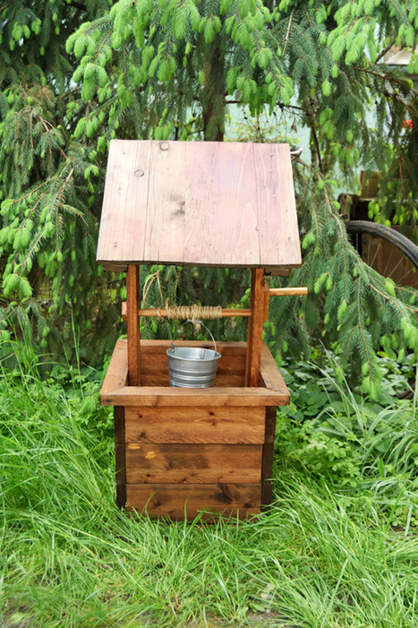 How to Build a Wishing Well Planter | HowToSpecialist - How to Build, Step by Step DIY Plans | Garden Plans | Scoop.it