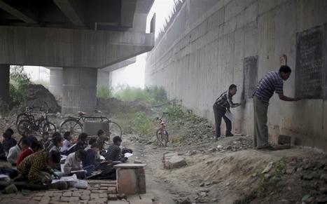 A free school under a bridge in India   Educommunication   Scoop.it