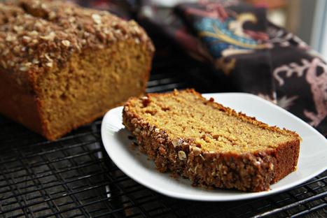 Streusel-Topped Pumpkin Bread   Happy Nibbler   Scoop.it
