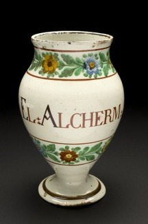 Pharmacy vase for Electuary of Kermes, Italy, 1780-1850 | bain de Marie: Women and the roots of botanical chemistry | Scoop.it