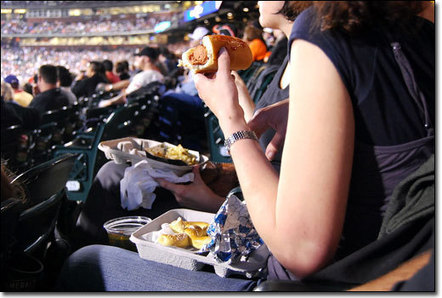Stadium concessions rack up health violations : Covering Health | Sports Facility Management - 4244729 | Scoop.it