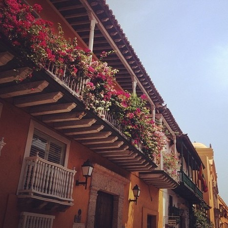 Foto por @haditadani en Instagram: balcones de Cartagena, Colombia | Cultura y turismo sustentable | Scoop.it