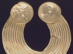 History of jewellery - Victoria and Albert Museum | ancient world history cluster | Scoop.it