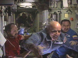Bilingual Planet News: The first space tourist...   Bilingual News for Students   Scoop.it