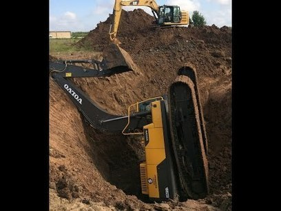 Machine down! Send for reinforcements | Earthmoving & Compaction | Scoop.it