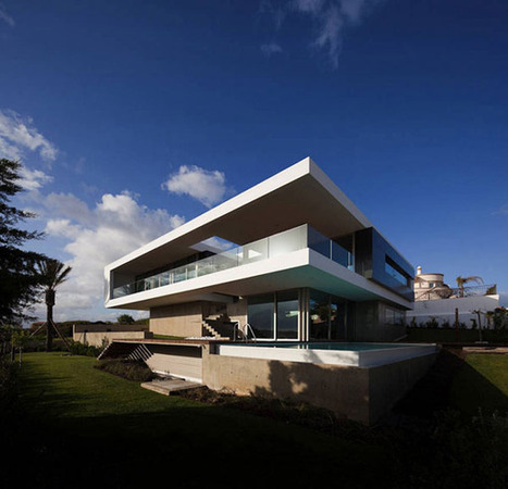 Modern House in Portugal, Overlooking the Atlantic Ocean | sustainable architecture | Scoop.it