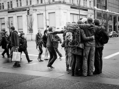 3 Ways The Sharing Economy Builds Strong Community | EcoSalon ... | Peer2Politics | Scoop.it