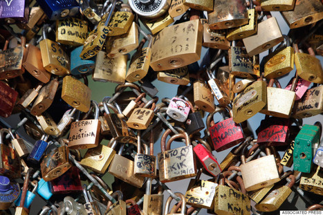 PHOTOS: Paris' Famous 'Love Locks' Bridge Is No More | Xposed | Scoop.it