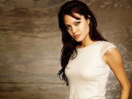 Angelina Joliein White Tshirt, Cutest Hollywood actress in Khaki Pants | Fashion Divas | Scoop.it