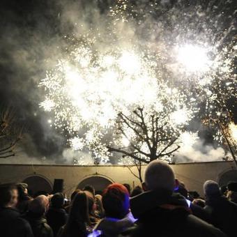 Six bals pour célébrer une année de folie | Mons 2015 | Scoop.it