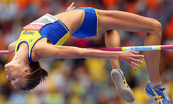 MOSCOW: Swedish Athlete Competes With Fingernails Painted In Rainbow Colors, Draws Condemnation From Russian Pole Vaulting World Champion | Daily Crew | Scoop.it
