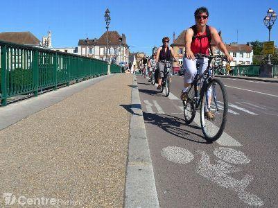 L'office de tourisme de Sens et du Sénonais a lancé cette année des visites guidées à vélo   Sens & Sénonais Tourisme   Scoop.it