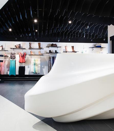 India Art n Design Global Hop : Quique – Sinuous Retail Experience!   Retail Store Design   Scoop.it