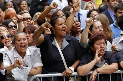 DSK: L'ex-directeur du FMI accueilli au tribunal de New York sous les huées des femmes de chambre | Mais n'importe quoi ! | Scoop.it