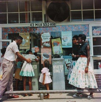 In Living Color: Photography series breaks open 1950s segregation | Black History | Scoop.it