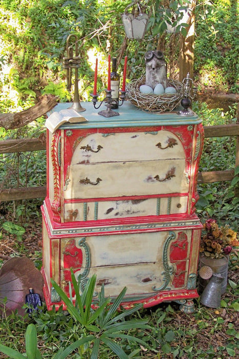 Dishfunctional Designs: Upcycled Dressers: Painted, Wallpapered, & Decoupaged | Crafts to Try | Scoop.it