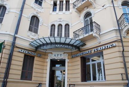 Gli uffici di informazioni turistiche affidati ai privati? Sulla scia di Sanremo un'idea che si allarga a tutta la provincia   Accoglienza turistica   Scoop.it