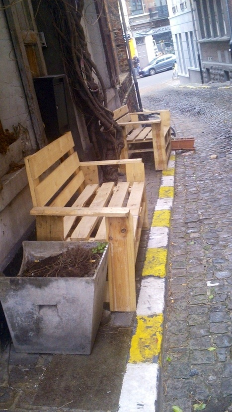 Pallet benches in the streets of Bruxelles | Pallets | Scoop.it
