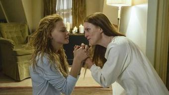 Review: 'Carrie' hasn't evolved much since 1976   Screenwriting, Scripts, Storytelling & Movie Stuff   Scoop.it