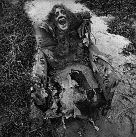 Haunting Surreal Photographs from the 60s Inspired by Children's Nightmares | What if... | Scoop.it