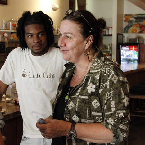 Grandbooking: Curt's Cafe serves up hope, opportunity | Restorative Justice In Illinois | Scoop.it