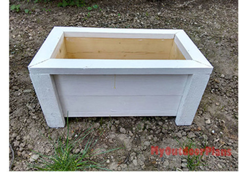 Wooden garden planter | Free Outdoor Plans - DIY Shed, Wooden Playhouse, Bbq, Woodworking Projects | Garden Plans | Scoop.it