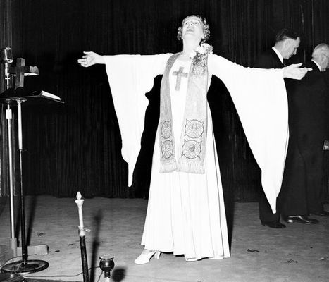 The Bizarre Disappearance (And Bizarre Return) of Evangelist Aimee Semple McPherson | Strange days indeed... | Scoop.it