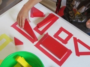Exploring our shapes with blocks on the table top | Learn through Play - pre-K | Scoop.it