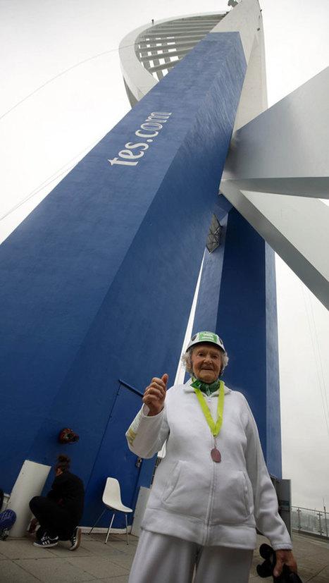À 101 ans, Doris descend d'une tour de 100 mètres en rappel afin de récolter des fonds pour sa maison de retraite | SandyPims | Scoop.it