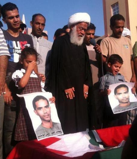 Jaffar Hasan's funeral,  His children and a cleric mourning the loss | Human Rights and the Will to be free | Scoop.it