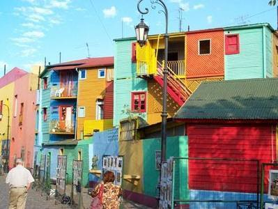 The amazingly colorful artists street in La Boca, Buenos Aires. | CasaVersa ~ Never feel like a tourist again | Scoop.it