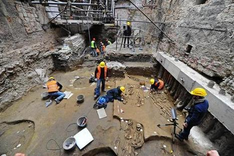 Medieval Graves Found Under the Uffizi - Archaeology Magazine   Ancient Civilization   Scoop.it