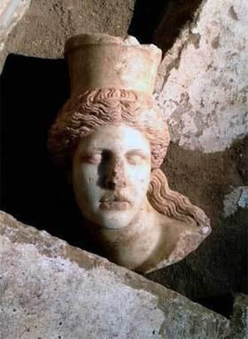 Descubren cabeza de esfinge perdida en Grecia - Pulso de San Luis | historian: science and earth | Scoop.it