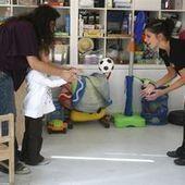 Les auxiliaires de vie scolaire pérennisés auprès des écoliers handicapés | SandyPims | Scoop.it
