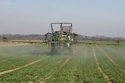 Les agriculteurs et leurs familles, premières victimes des pesticides | Résistances | Scoop.it
