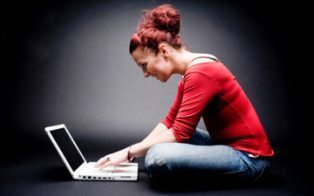 Women Dominate Men at Social Networking [STUDY] | Life @ Work | Scoop.it