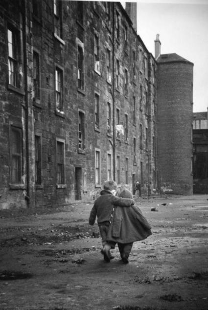 Twitter / History_Pics: A Comforting Arm, Glasgow, ... | World History | Scoop.it