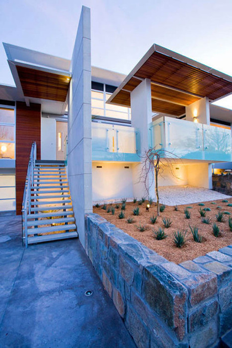 Indoor/outdoor connectivity defines this modern home... | sustainable architecture | Scoop.it