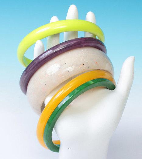 Five Bangle Bracelet Lot Lime Green Purple Oatmeal Yellow Dark Green   Vintage Jewelry   Scoop.it