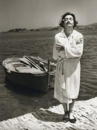 Une photo exclusive de Salvador Dali avant le grand saut | Toiles de rêves | Scoop.it